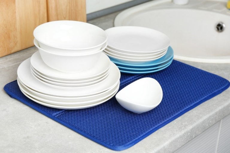 How to Clean Mold from a Dish Drying Mat