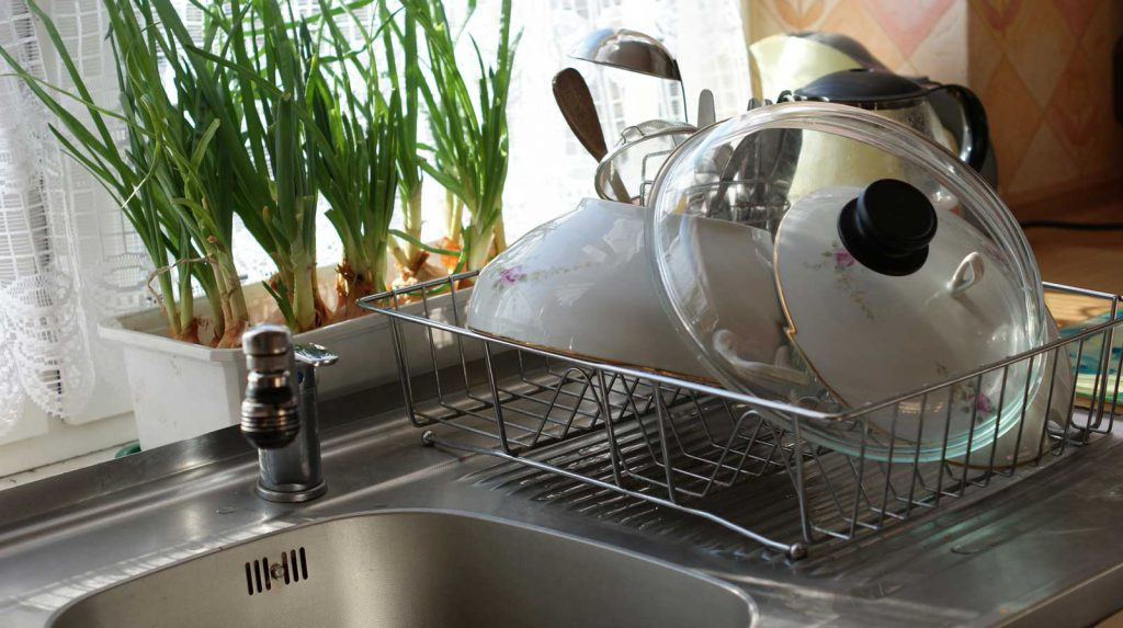 How to clean a dish drying racks