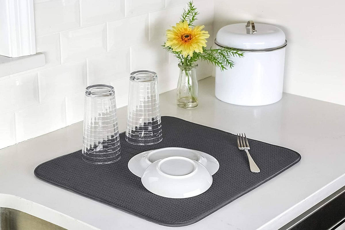 How to clean dish drying mats